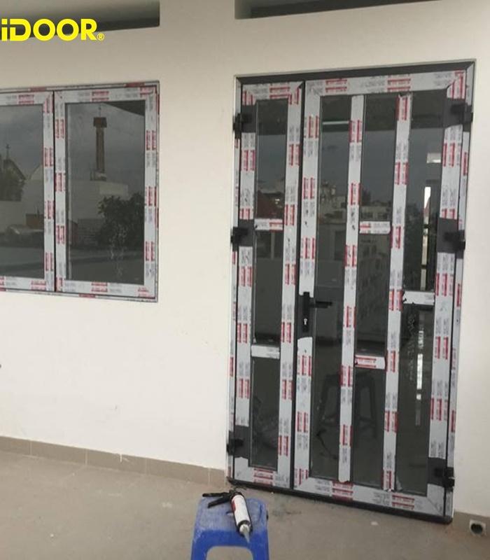 Tại sao bạn nên chọn cửa nhôm kính cường lực tại iDOOR?
