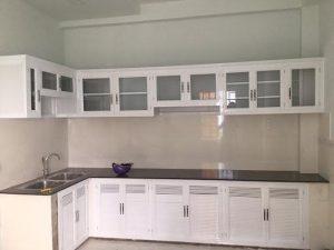 Tủ bếp nhôm kính thiết kế thông minh, mang vẻ đẹp hiện đại