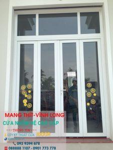 Cửa kính cường lực tại huyện Mang Thít- Vĩnh Long 2